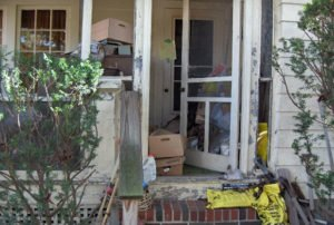 Cluttered front door feng shui